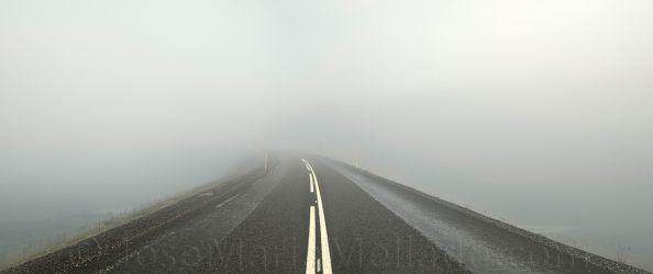 """Carretera en la niebla"", 2008 Islandia. 267 x 112 cm"